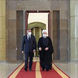 الرئيس الإيراني حسن روحاني (يمين) يستقبل رئيس الوزراء العراقي مصطفى الكاظمي في طهران، 21 يوليو/تموز 2020 (الصورة عبر  President.ir)