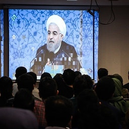 Iranians watch the 2017 presidential debates in Tehran. May. 5, 2017. (Photo by Masoud Shahrestani via Tasnim News Agency)