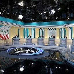 المرشحون للرئاسة الإيرانية في المناظرة التلفزيونية الثانية في طهران، 8 يونيو/ حزيران 2021 (تصوير مرتضى فخري نثاد عبر وكالة تسنيم للأنباء)