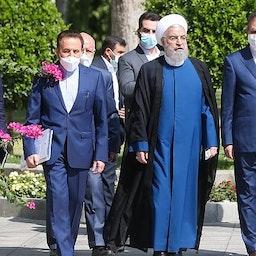 الرئيس الإيراني المنتهية ولايته حسن روحاني ومسؤولون كبار آخرون في طهران في الأول من أغسطس/ آب 2021 (الصورة عبر موقع الرئيس الإيراني على الإنترنت)
