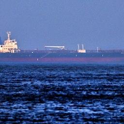 نفتکش مرسر استریت، وابسته به اسرائیل، در بندر فجیره؛ امارات متحدهی عربی، ۱۲ مرداد ۱۴۰۰/ ۳ اوت ۲۰۲۱. (عکس از گتی ایمیجز)