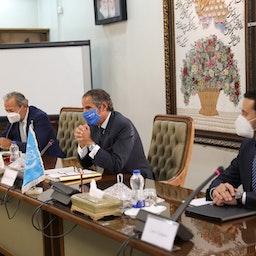 مدير عام الوكالة الدولية للطاقة الذرية رافائيل غروسي يعقد مؤتمرًا صحفيًا في طهران، إيران. 12 سبتمبر/ أيلول 2021 (نشرة منظمة الطاقة الذرية الإيرانية عبر غيتي إيماجز)