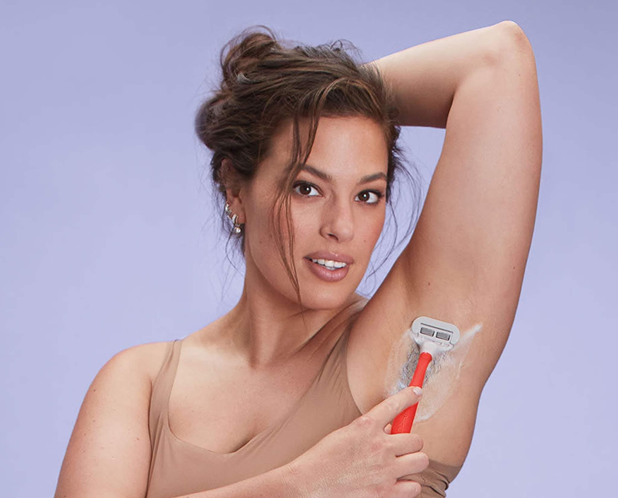 Ashley Graham shaving
