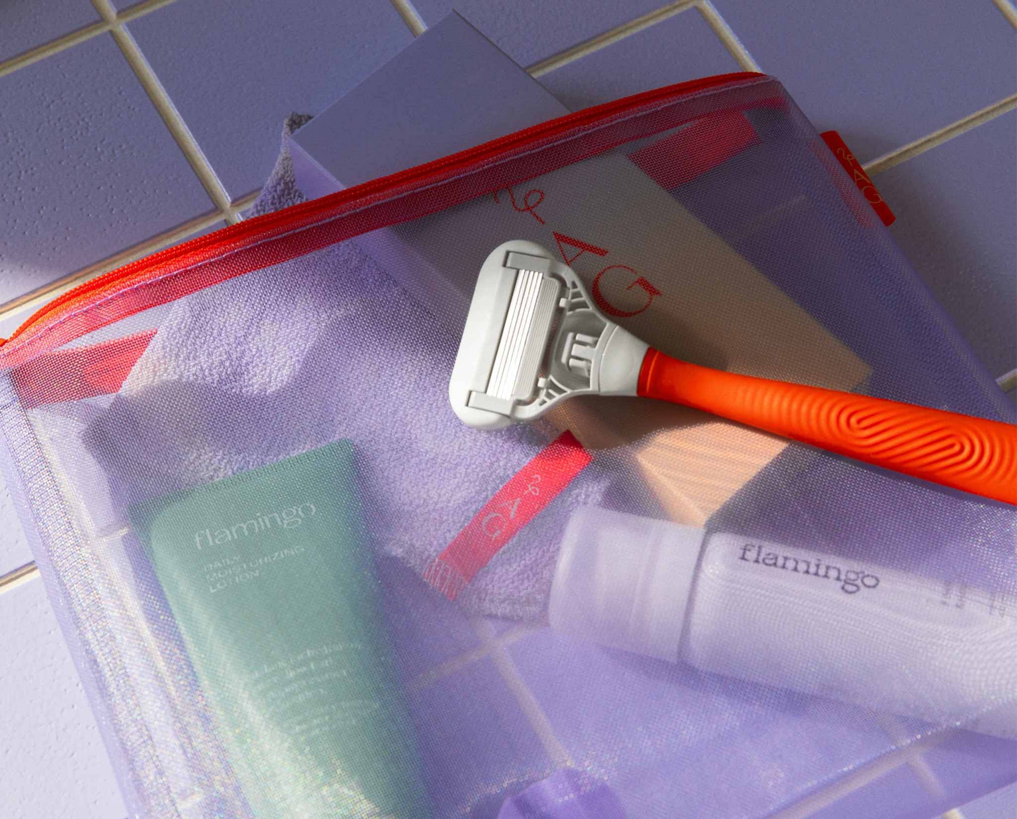 Shave set in a pouch