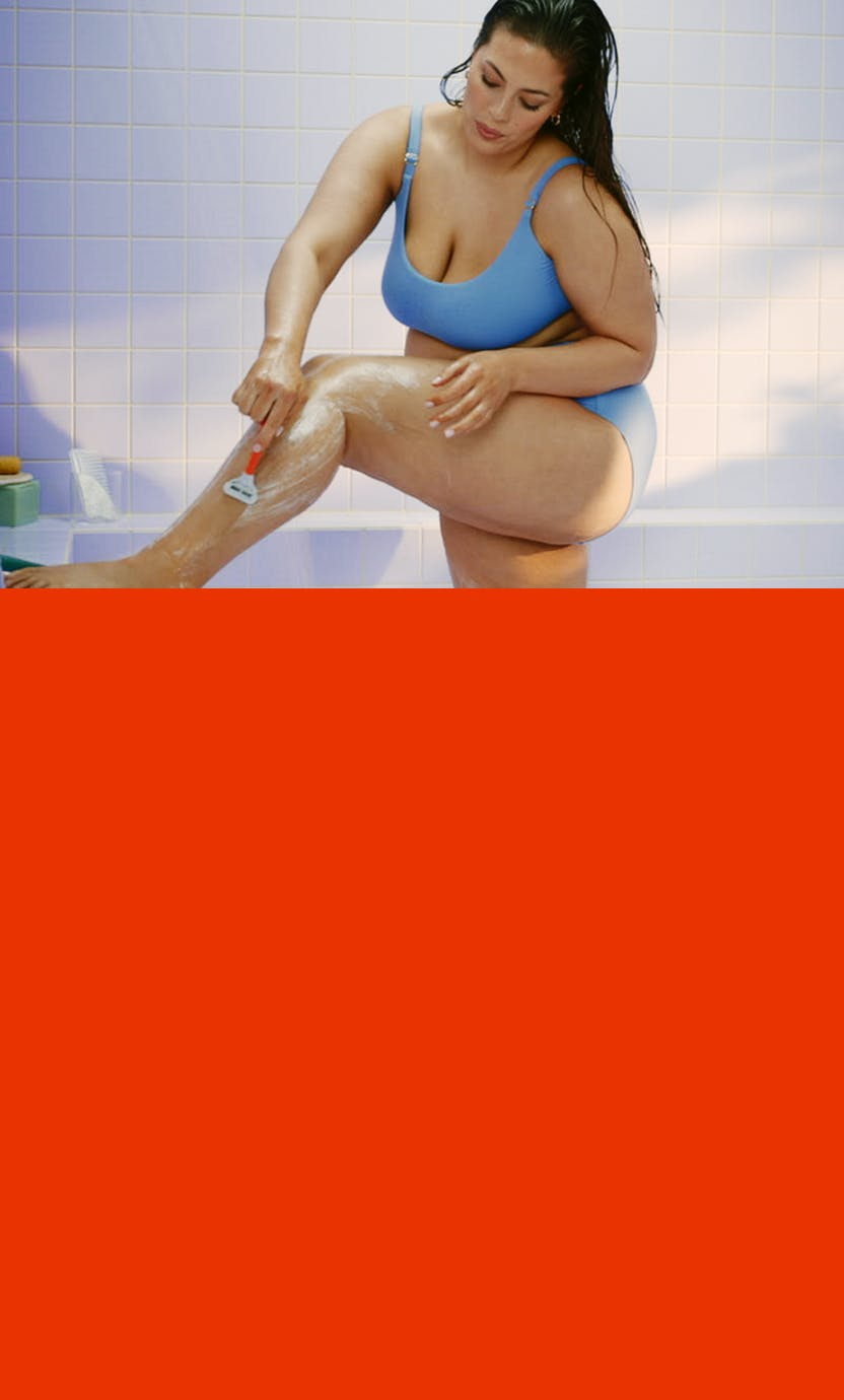 Ashley Graham shaving her leg