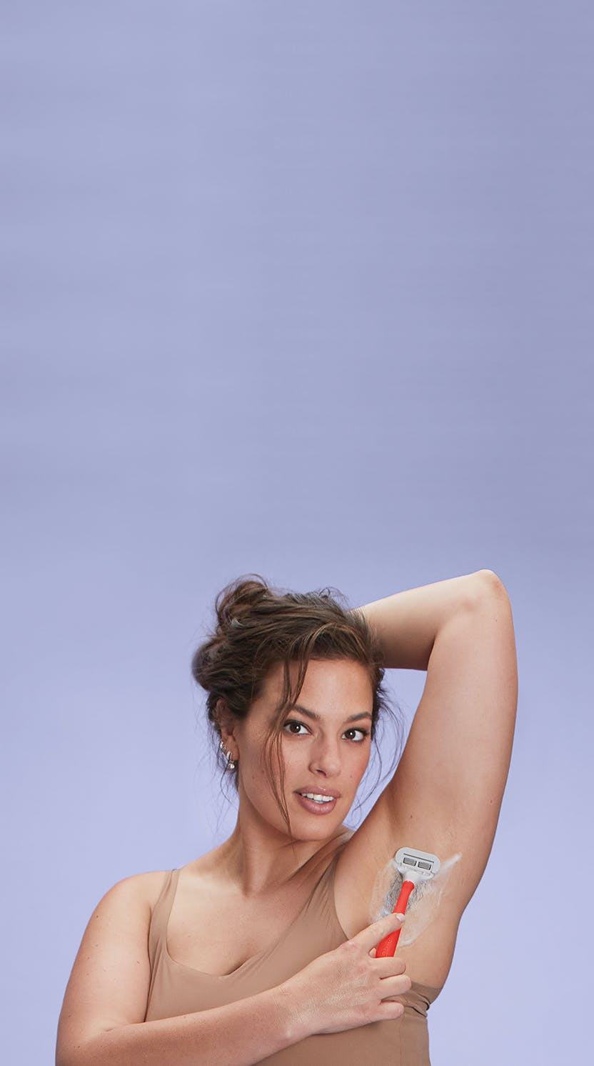 Ashley Graham shaving her armpit