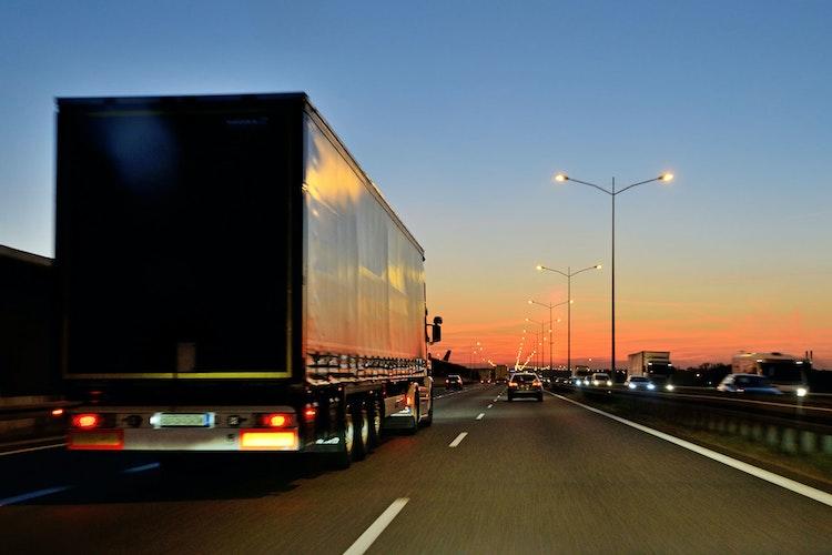 1595409736 vzc trucking uk