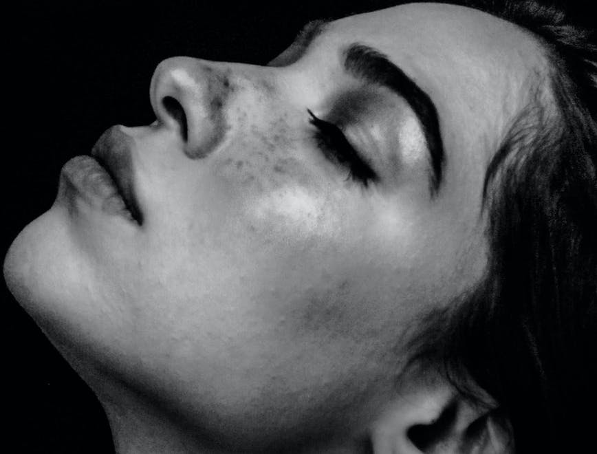 COme fare un tonico viso fai da te per una pelle più bella - L'Officiel Italia