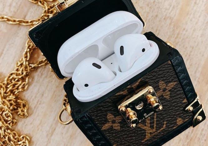 Louis Vuitton Airpod case Apple
