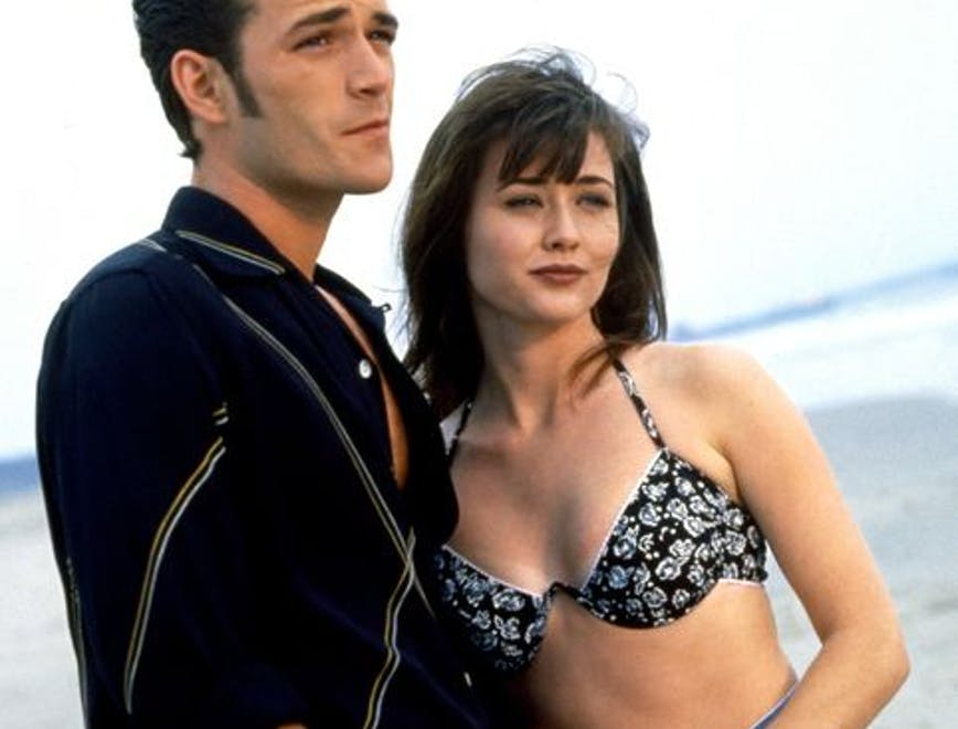 Shannen Doherty insieme a Luke Perry sul set di Berverly Hills
