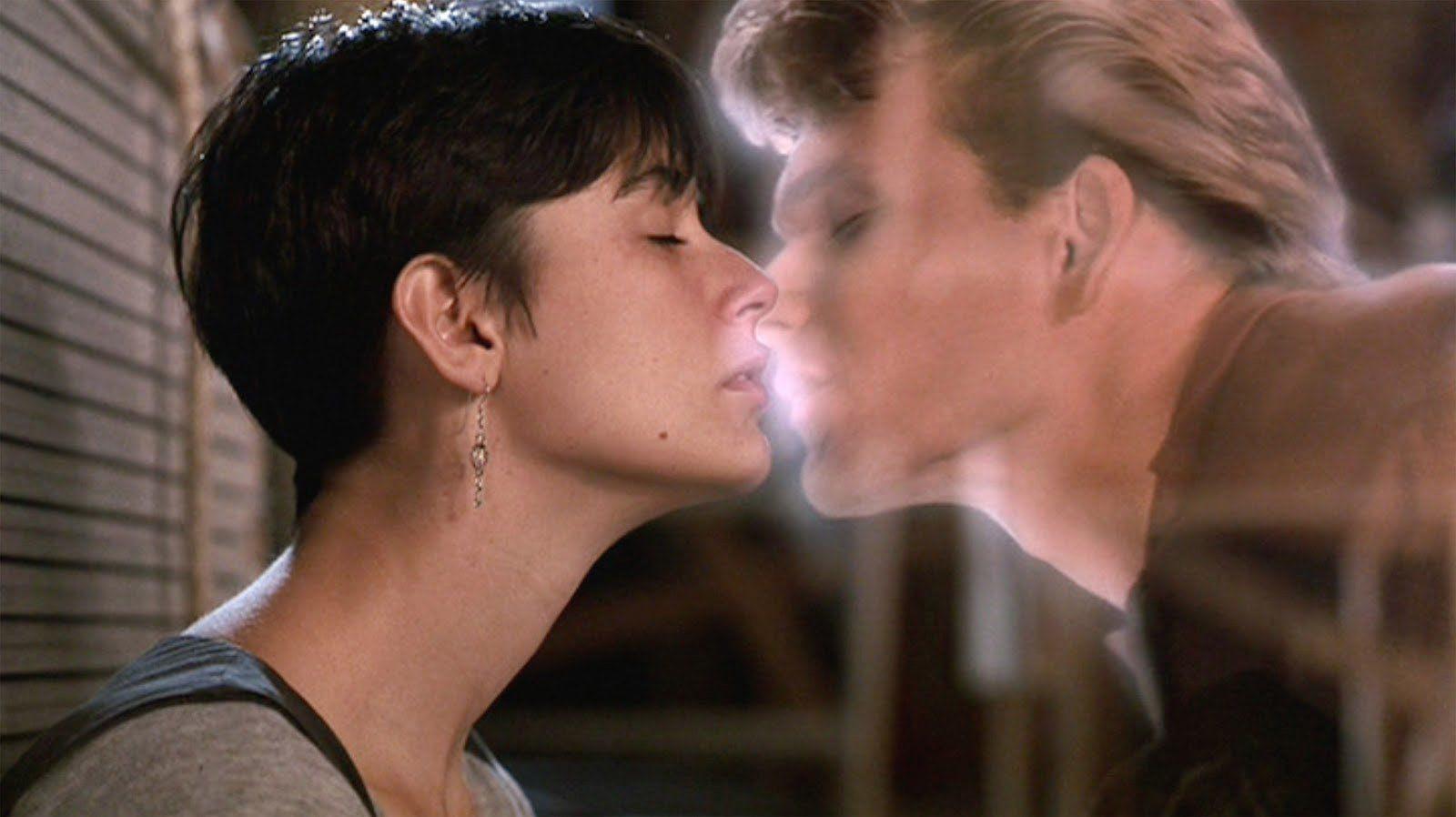 Giornata Internazionale del Bacio - una scena di Ghost con Demi Moore e Patrick Swayze