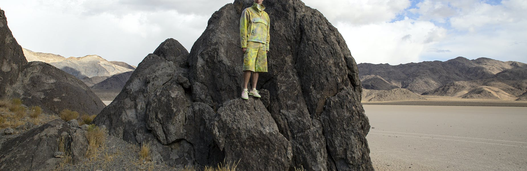 Elia Berthoud indossa felpa, shorts e sneakers, MSGM