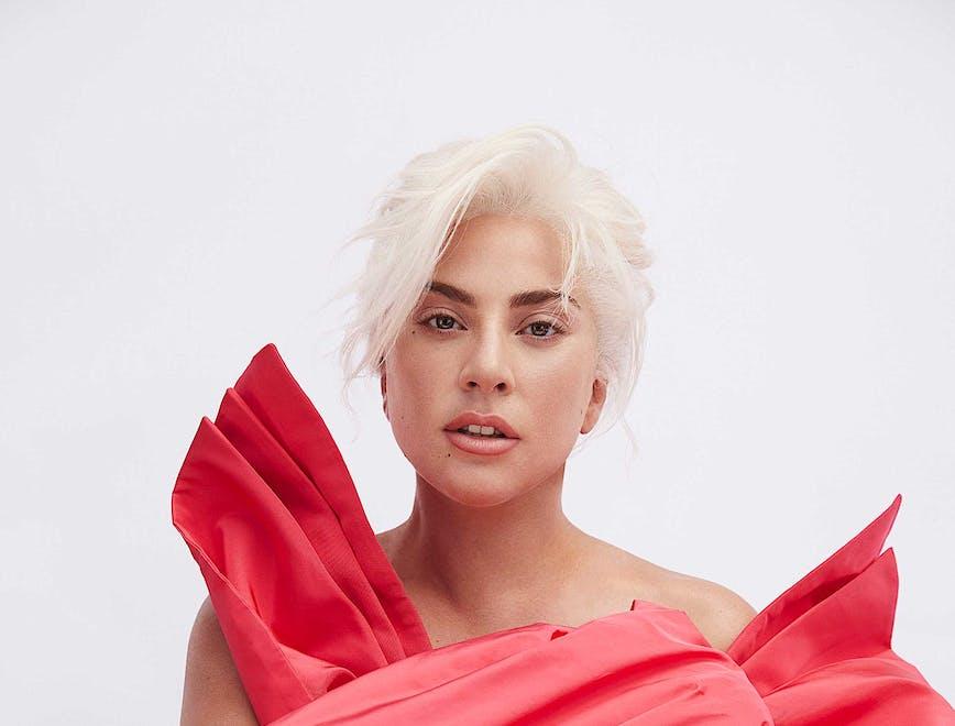 """Ritratto di Lady Gaga nella ADV di Valentino """"Voce Viva"""""""