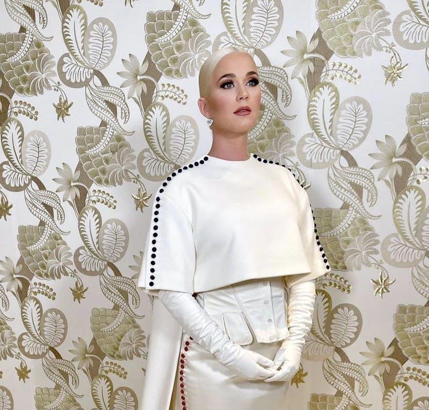 Nella foto Katy Perry in Thom Browne