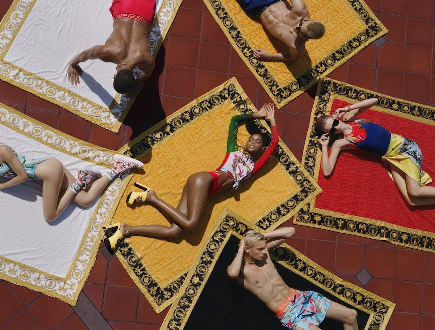'La Vacanza' la nuova collezione beachwear Versace