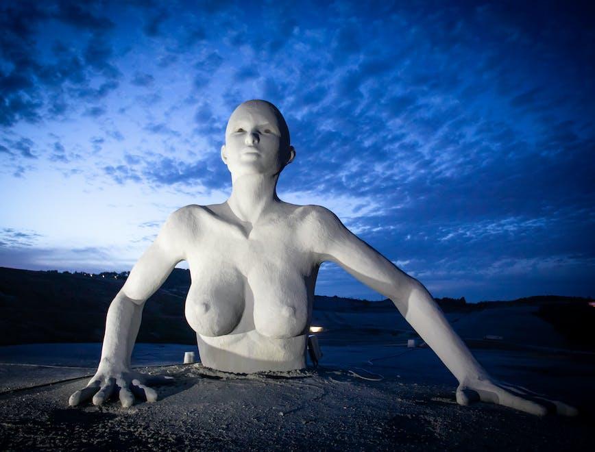 Una foto di Andrea Testi di una scultura alla Biennale di Architettura di Venezia 2021
