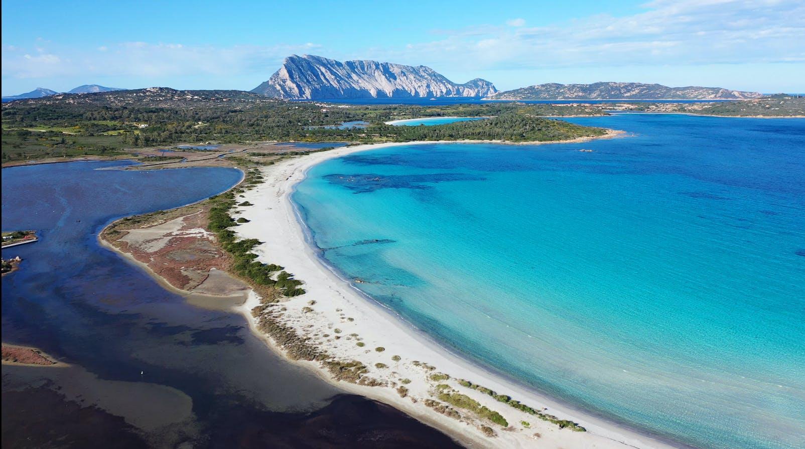 Nella foto l'area marina protetta di Tavolara nei pressi del Baglioni Resort Sardegna