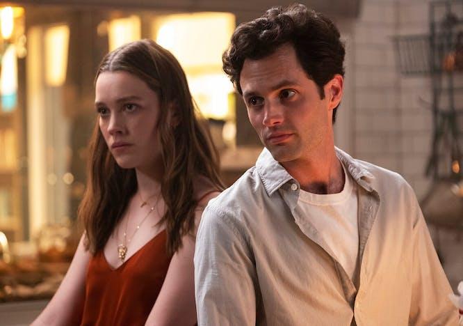"""Victoria Pedretti e Penn Badgley, i protagonisti della serie ti di Netflix """"You"""""""