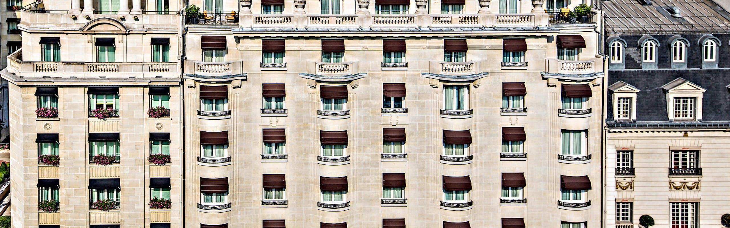 La facciata su avenue George V