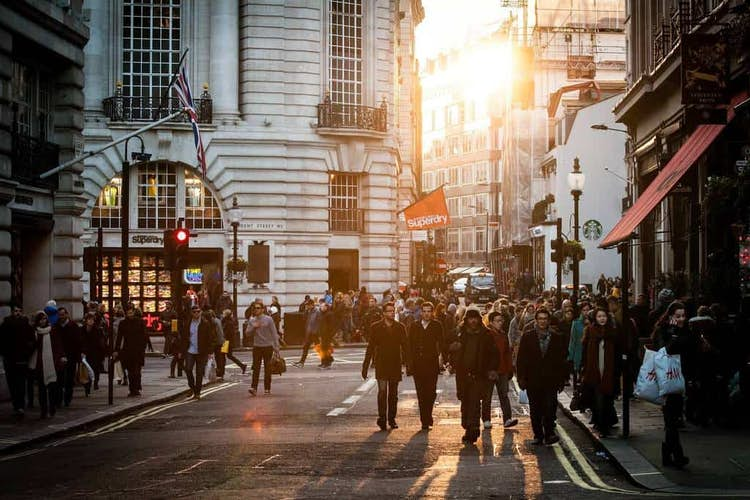 UK Economy Grows By 6.6% But Experts Remain Cautious