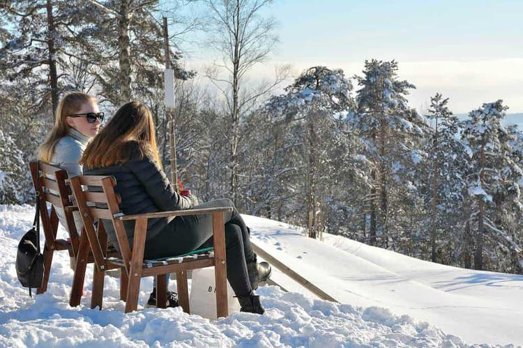 How To Stay Social Through The Winter