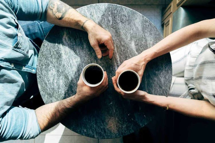 How to Reconnect with Distant Friends & Relatives