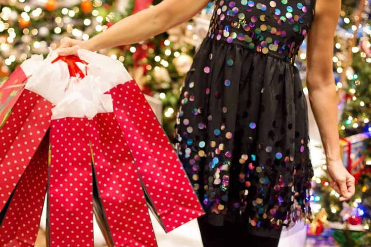 How to Save Cash on Your Christmas Shopping