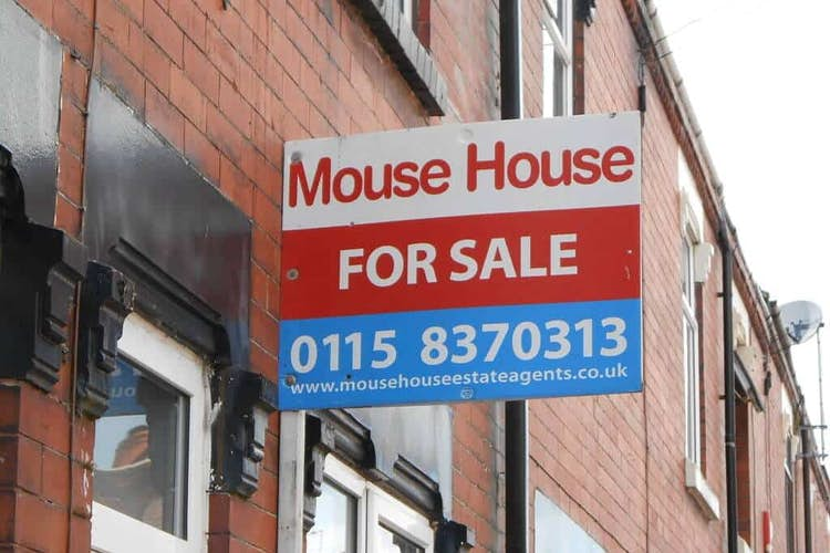 UK house prices see biggest gains since 2004