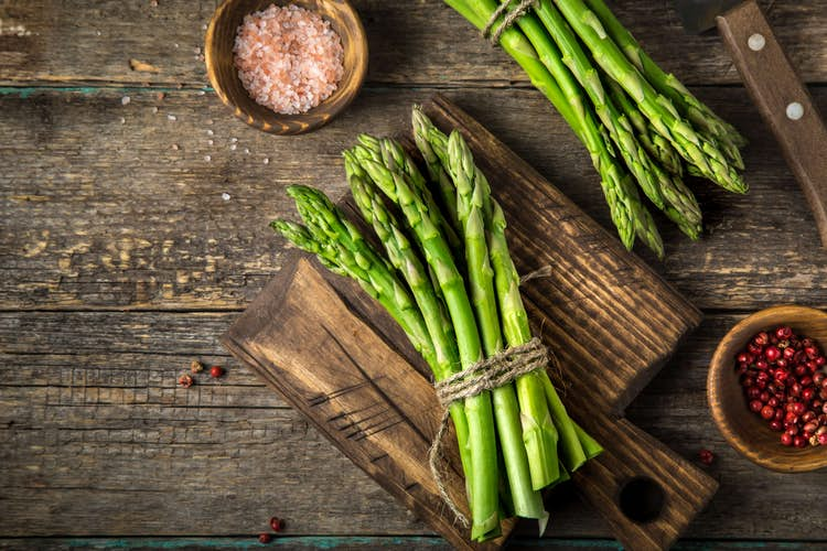 6 seasonal must-try spring fruits and vegetables