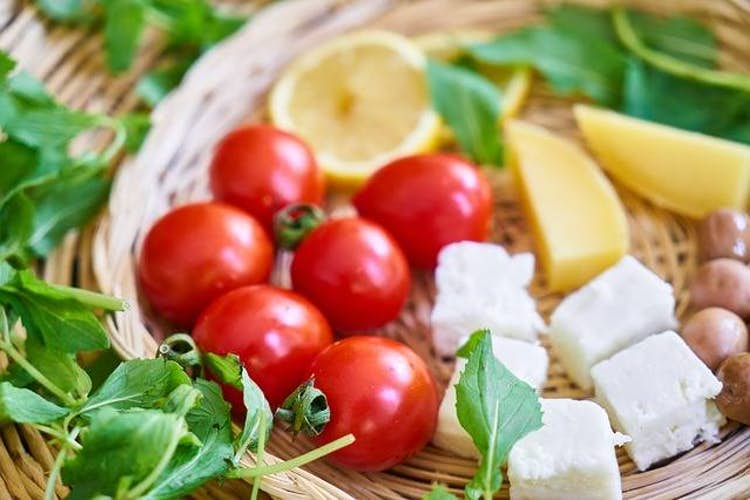 What do you eat for breakfast on the Mediterranean diet?