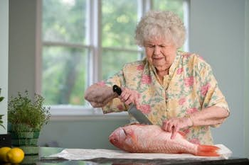 14 hobbies you can do in a nursing home