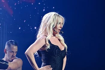 """Britney Spears speaks out about """"abusive"""" conservatorship and Harrison Ford injures shoulder on Indiana Jones set"""