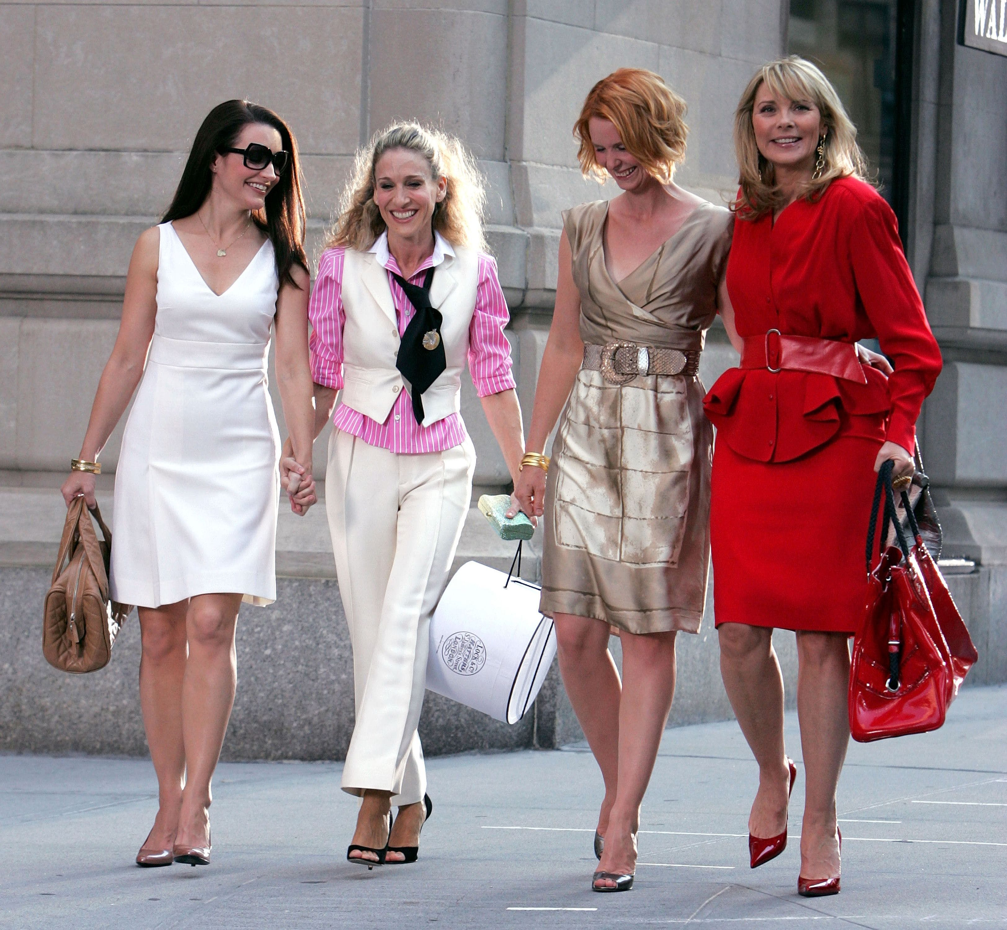 25 Best Fashion Moments from 'Sex and the City' - Sex and the City Carrie Samantha Charlot