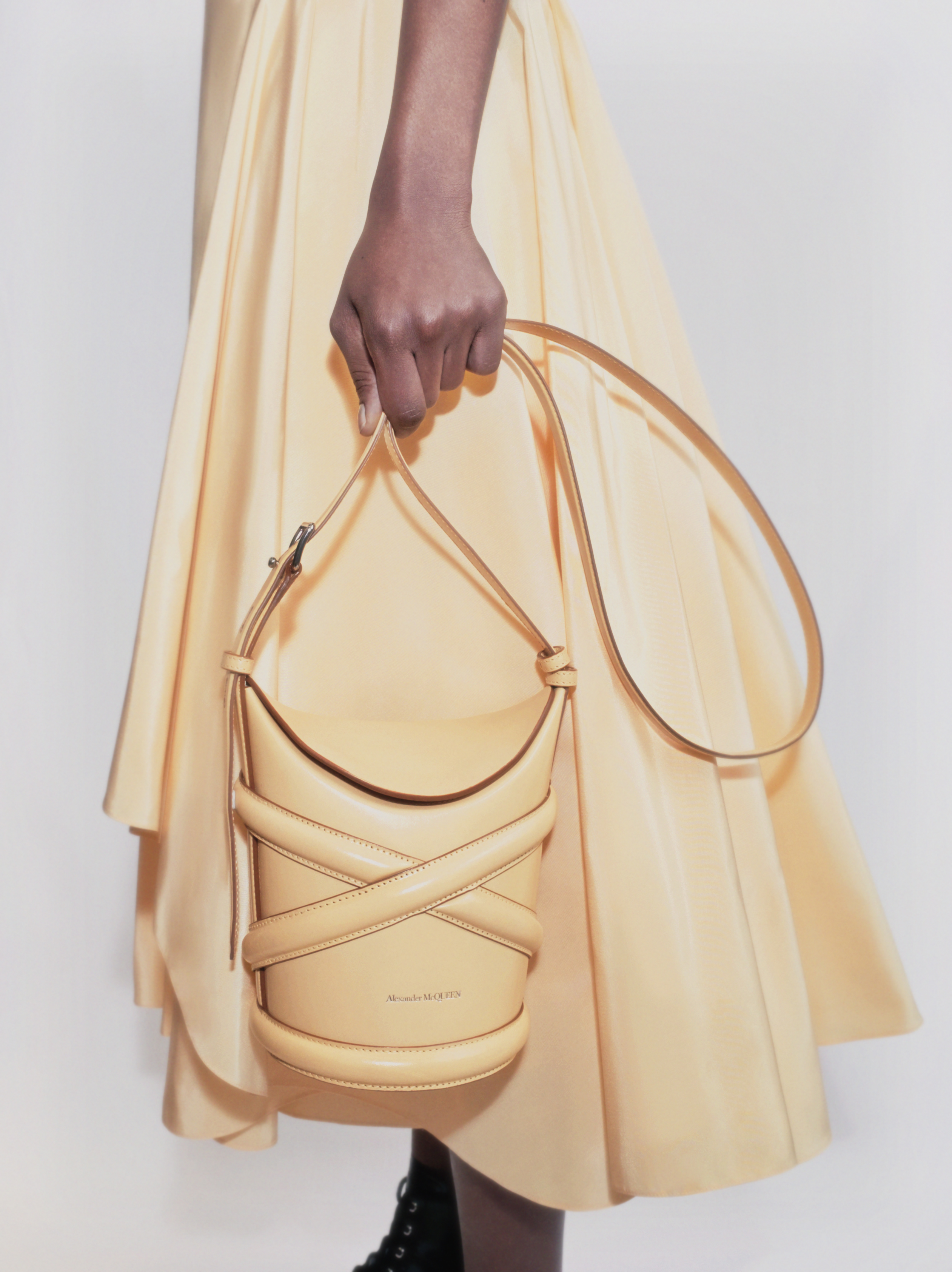Alexander McQueen Just Created the Perfect Bag for Summer 2021 - Curve Bag