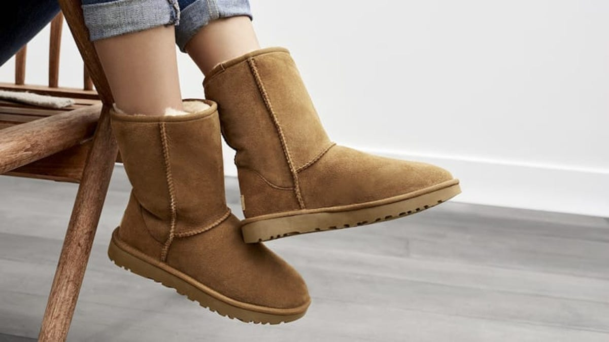 9 Cheugy Fashion Trends You've Probably Tried - What is Cheugy TikTok Gen-Z Ugg  Boots