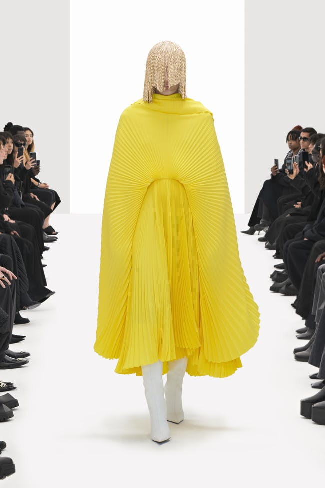 Balenciaga Presents 'Clones' for Spring/Summer 2022 - Balenciaga Fashion  Crocs Spring 2021