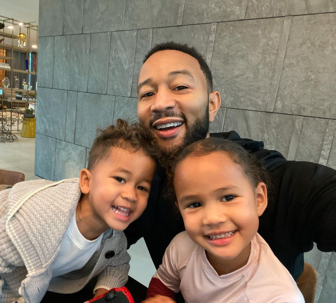 Celebrate Father's Day With the Internet's 11 Favorite Dads - John Legend Chris Hemsworth