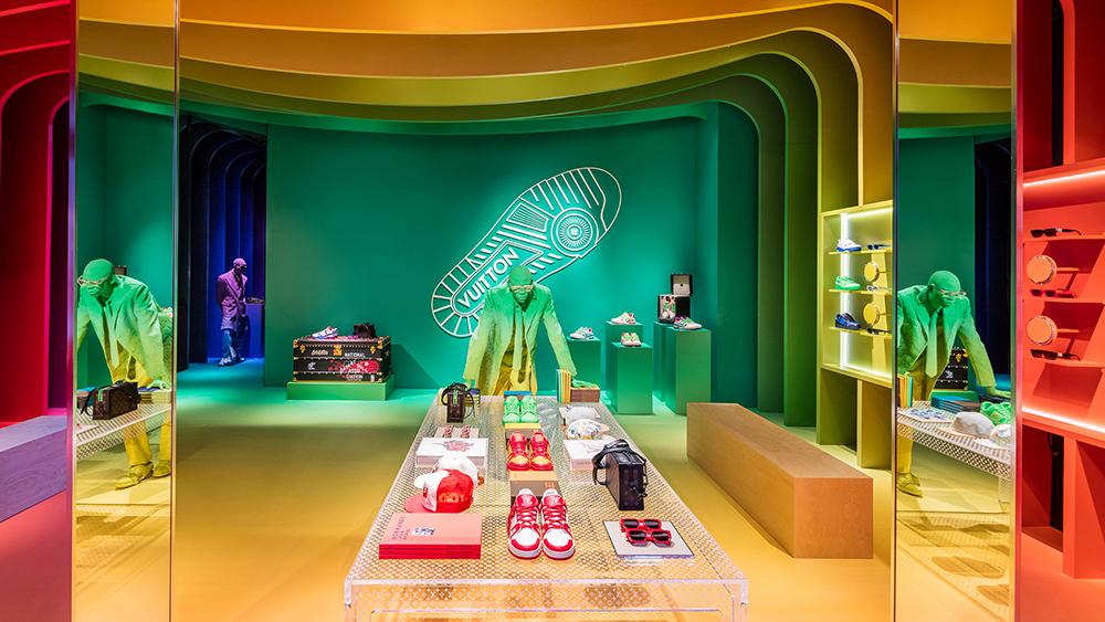 L'O Summer Bucket List: 10 Fashion Pop-Ups to Visit Now - Luxury Fashion Pop-Up Dior Gucci