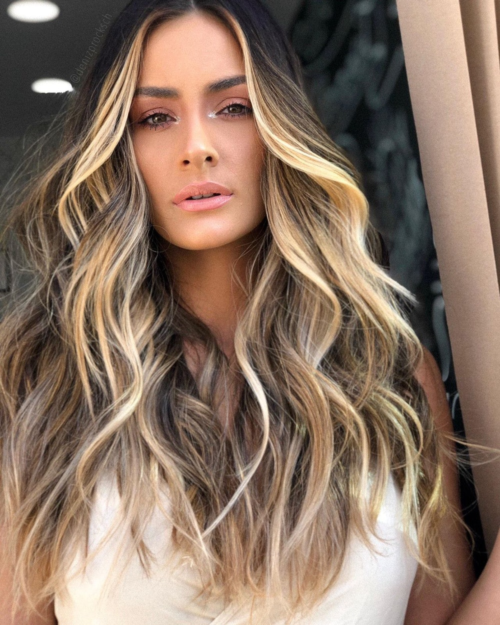 Golden Nude: The Hair Trend of The Fall and Winter Season - Hair Color Trend 2021