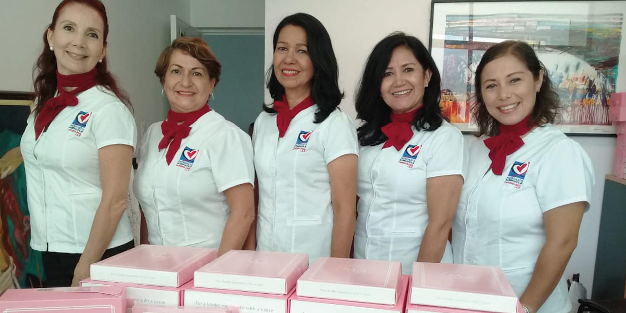 Cover Image for Patronato hace entrega de material a pacientes con linfedema