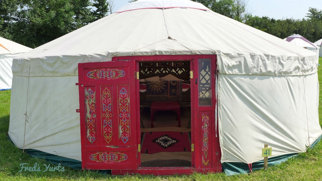 Minimal Fuss Large Yurts (sleeps 6 - 8)