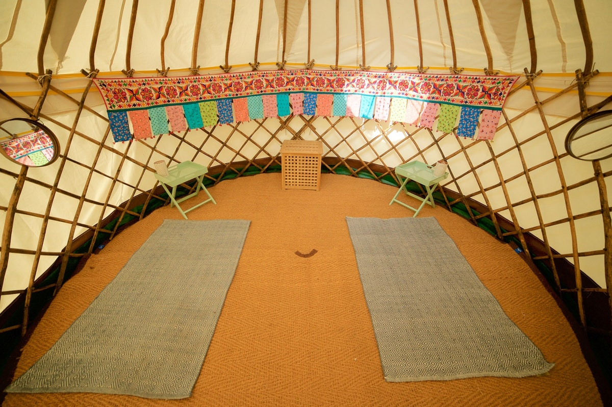 Min Fuss Large Yurts