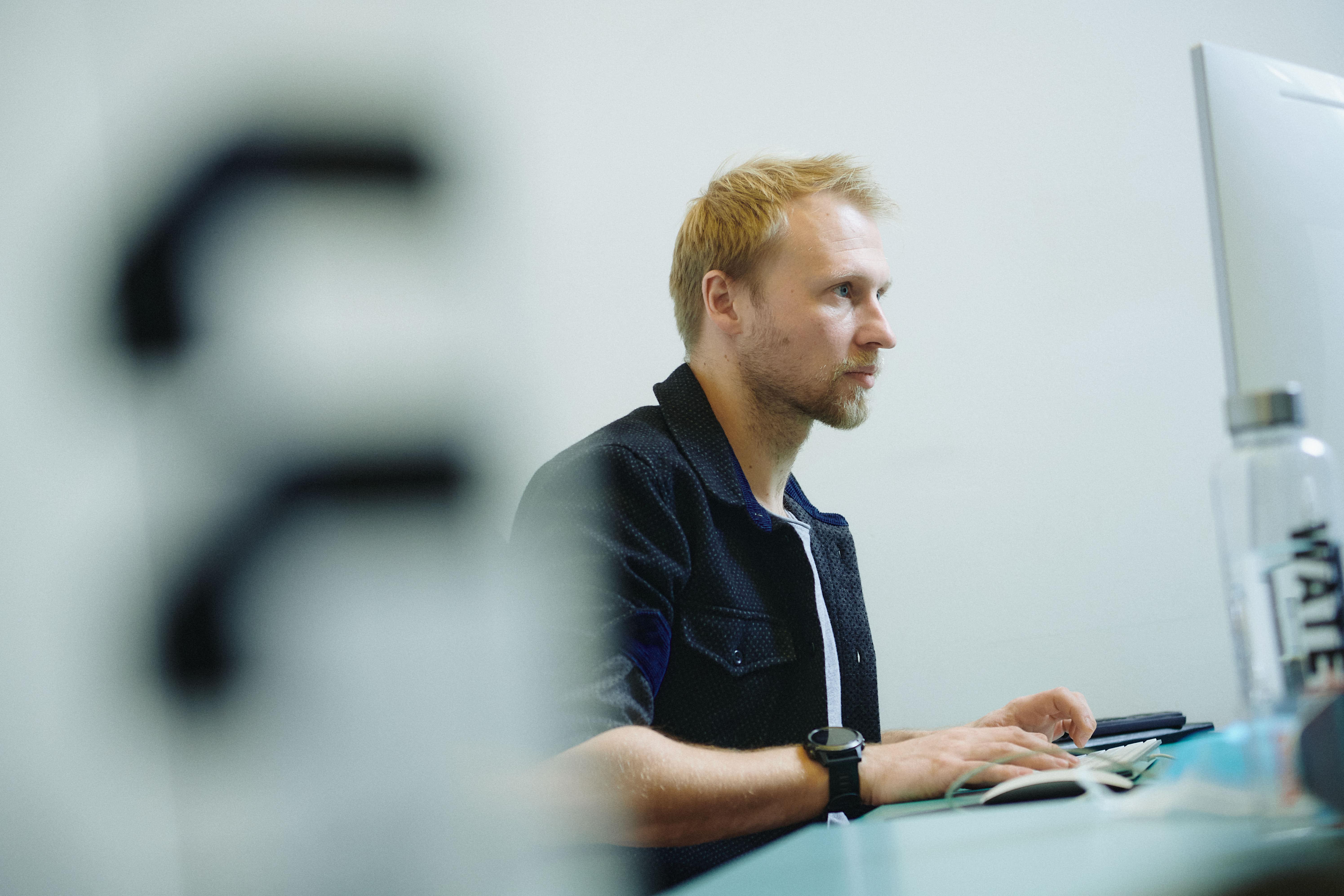 Steffen Angstmann, Data Scientist at Nøie. Photo by Sebastian Stigsby.
