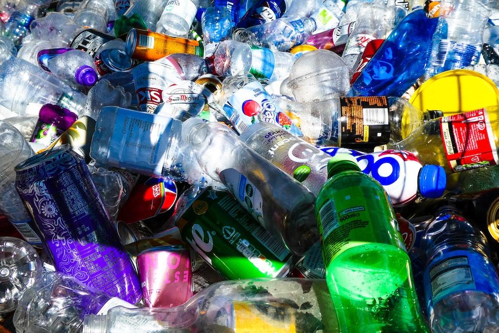 Plastic afval opruimen bij jou in de buurt