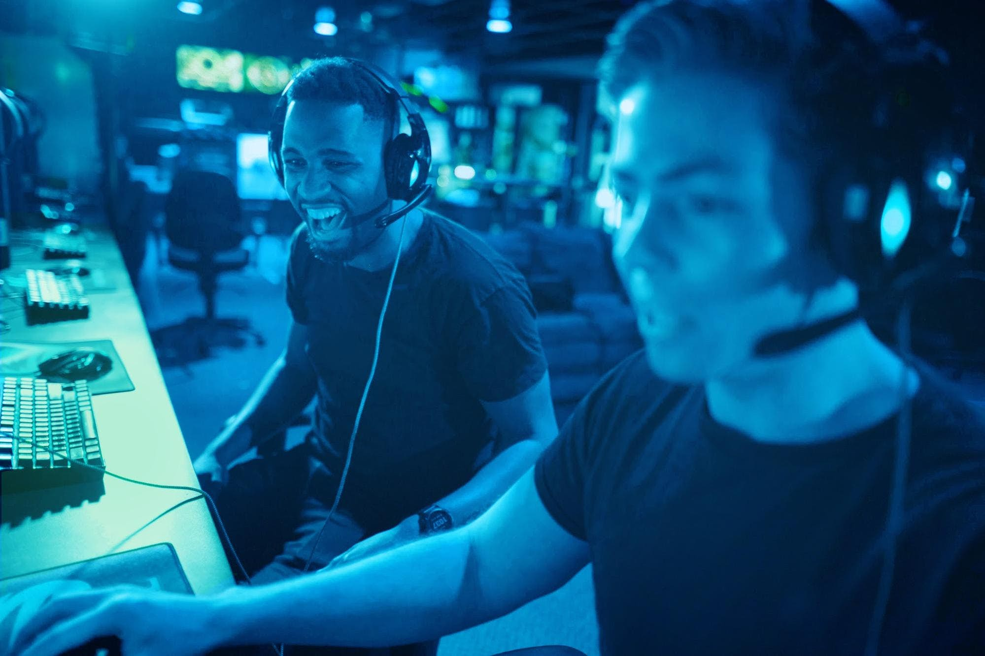 What Are the Trends Shaping the Future of Multiplayer Gaming?