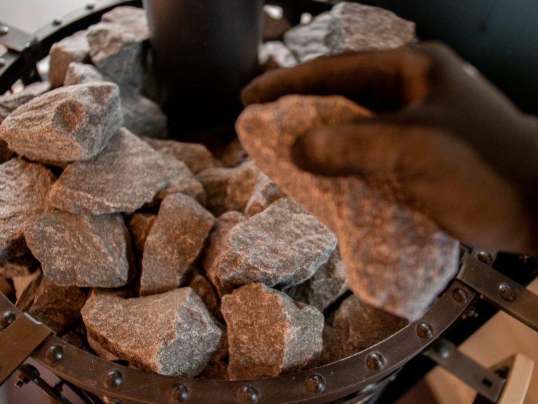 Replacing sauna stones