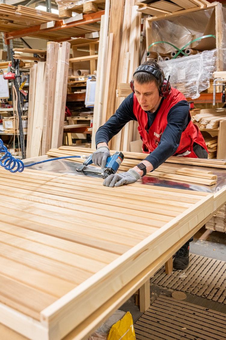 Worker at Harvia Velha factory