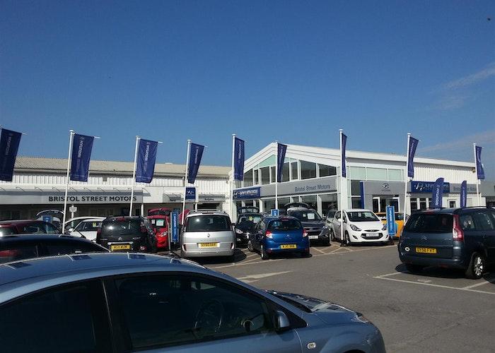 New Showroom for Bristol Motors
