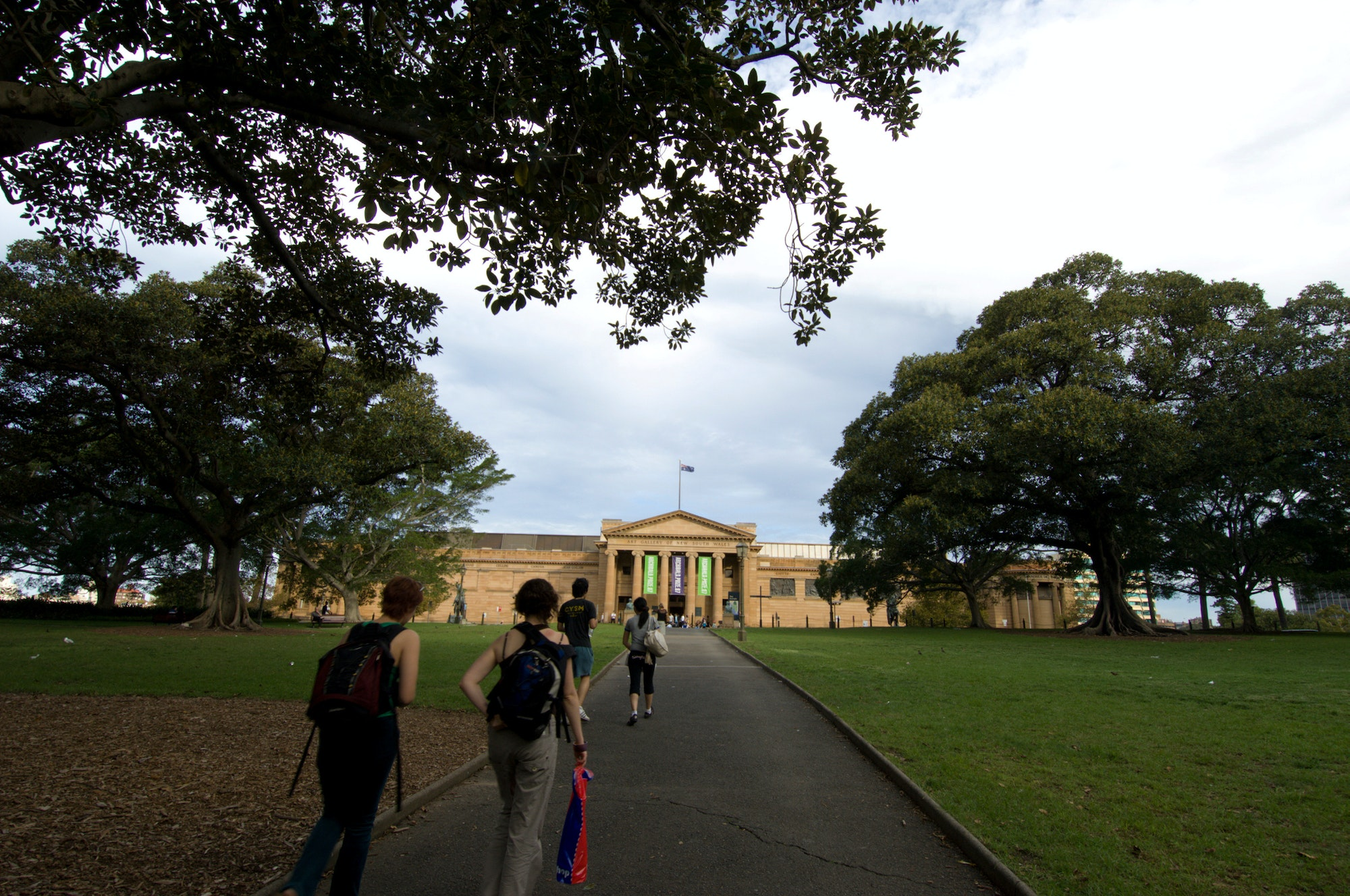 Visitors approaching the main entrance of the Art Gallery from the Domain.