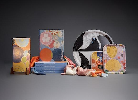 Hilma shop product: lamp, catalogue, trays